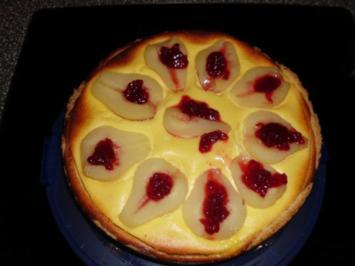Käsekuchen mit Birnen und Preiselbeeren - Rezept