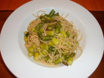 Vollkornspaghetti mit grünem Spargel - Rezept