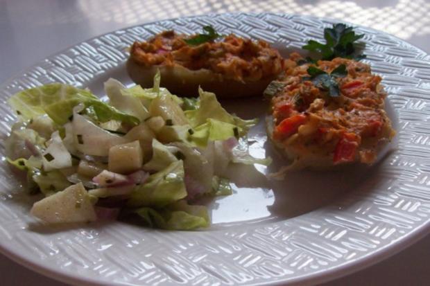 Gratinierte Kartoffeln mit Ziegenfrischkäse und Apfel-Paprika-Füllung - Rezept