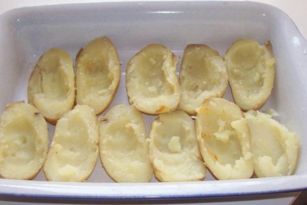 Gratinierte Kartoffeln mit Ziegenfrischkäse und Apfel-Paprika-Füllung - Rezept - Bild Nr. 4
