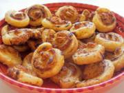 Snack: Herzhafte Blätterteigschnecken mit Feta-Schinken-Füllung - Rezept