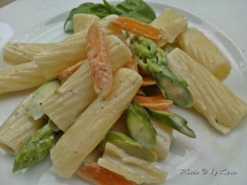Spargel - Möhren Mix mit Gorgonzola Pasta - Rezept