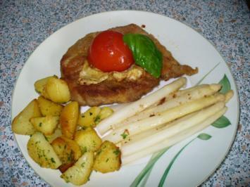 Schnitzel mit Spargel und Schwenkkartoffeln - Rezept