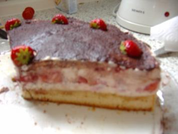 Erdbeertiramisukuchen mit Schwips - Rezept