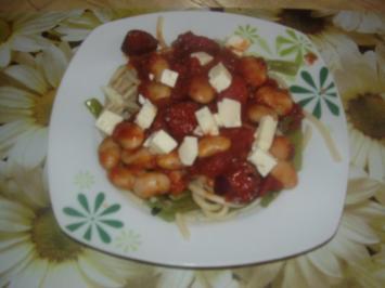 Pasta mit Bohnen und Fetakäse - Rezept