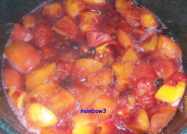 Einmachen: Nektarinen-Erdbeer-Heidelbeer-Marmelade - Rezept - Bild Nr. 3