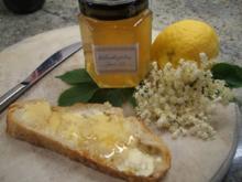 Vorrat: Holunderblüten-Gelee aus Holunderblütensirup - Rezept