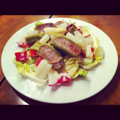 Gemischter Salat mit Maultaschenscheiben - Rezept