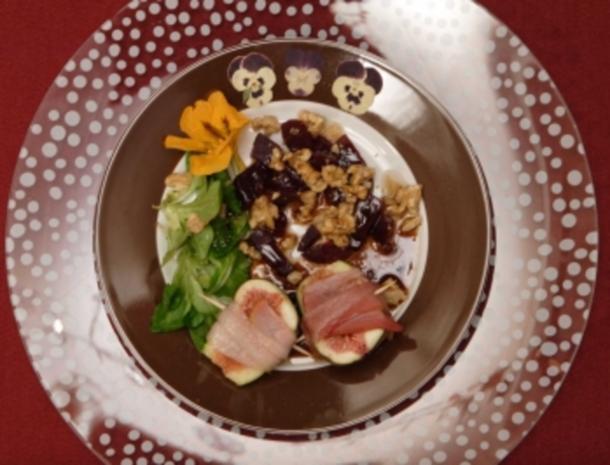 Feigen im Speckmantel auf Feldsalat an Walnüssen und Rote Bete (Jessica Wahls) - Rezept