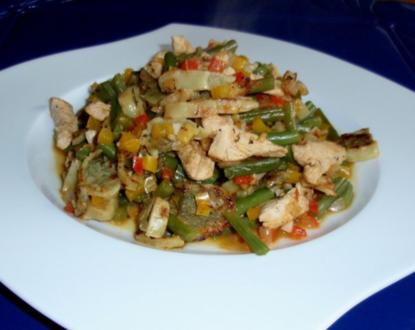 Herzhafte Maultaschen-Puten-Gemüse-Pfanne - Rezept