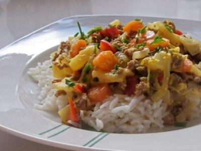Curry-Chinakohl-Pfanne mit Hack und Ananas - Rezept