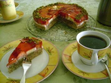 Erdbeertorte mit Dinkelvollkornmehl und Olivenöl>> - Rezept