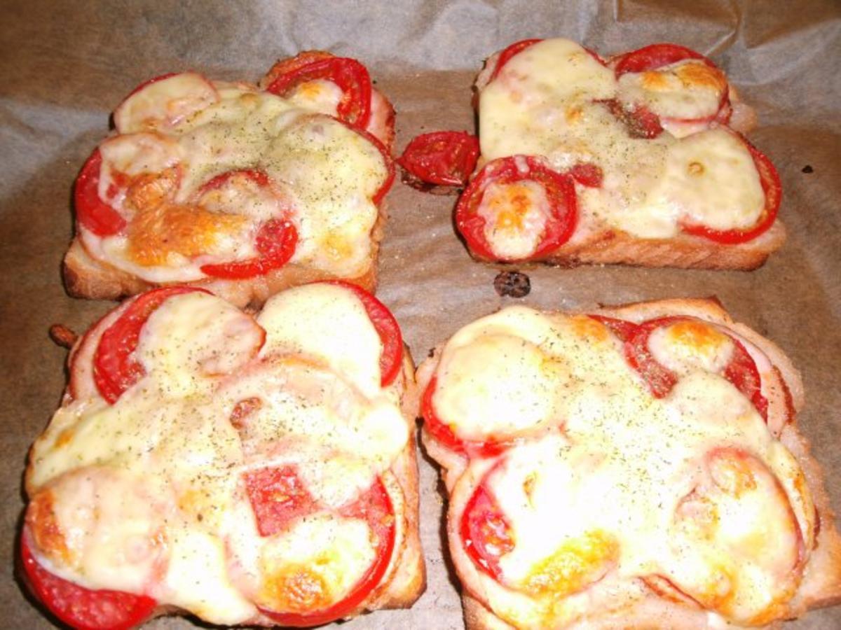 tomate mozzarella toast rezept mit bild. Black Bedroom Furniture Sets. Home Design Ideas