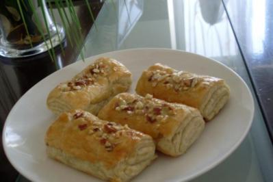 Blätterteig-Kirsch-Stückchen - Rezept