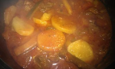 Somalische Pasta Soße (Suugo) Bilder!! - Rezept