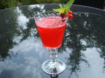 Getränke: Hu-Jo - Holunder vermählt sich mit Johannisbeeren - Rezept