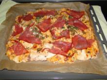 Focaccia mit getr. Tomaten und Oliven, - Rezept