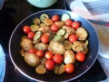 Kartoffel - Zucchini - Tomatenpfanne - Rezept