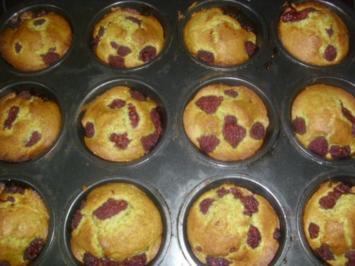 Matcha-Teepulver Muffins mit Himbeerren - Rezept