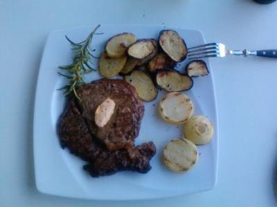 "R I B S & C H I P S Part Two --  Das ""Hurra-Wir sind im Viertelfinale Rib-Eye-Steak"" - Rezept"