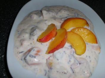 Stracciatella - Quarkcreme mit Pfirsichen und Aprikosen - Rezept