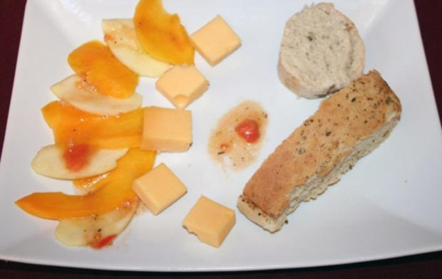 Apfel-Mango-Carpaccio mit Käse - Rezept
