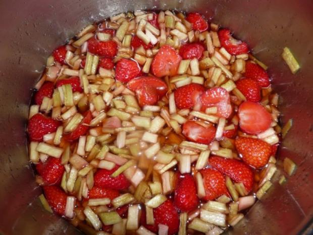 Erdbeere-Rhabarber Marmelade - Rezept