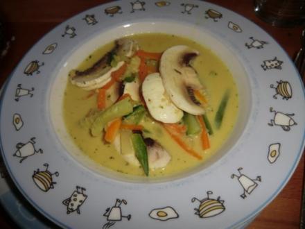 Curry Sahne Suppe mit Einlage - Rezept