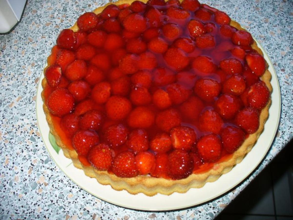 Erdbeerkuchen schnelle variante rezept mit bild for Kuchen dietz fritzlar