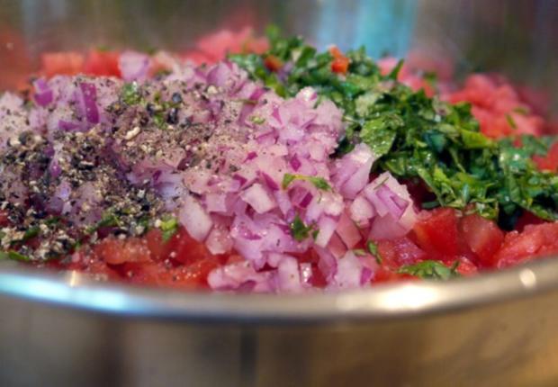 Büffelmozzarella mit Melonen-Salsa - Rezept - Bild Nr. 7