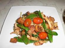 Hähnchenbrustfilet mit Knoblauch- Focaccia und Zuckerschoten - Rezept