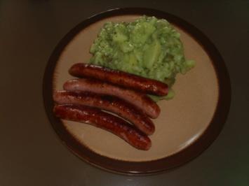 Grüner Kartoffelsalat mit Bratwurst - Rezept