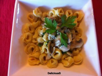 Tortellini mit Champignon - Sahne - Soße - Rezept