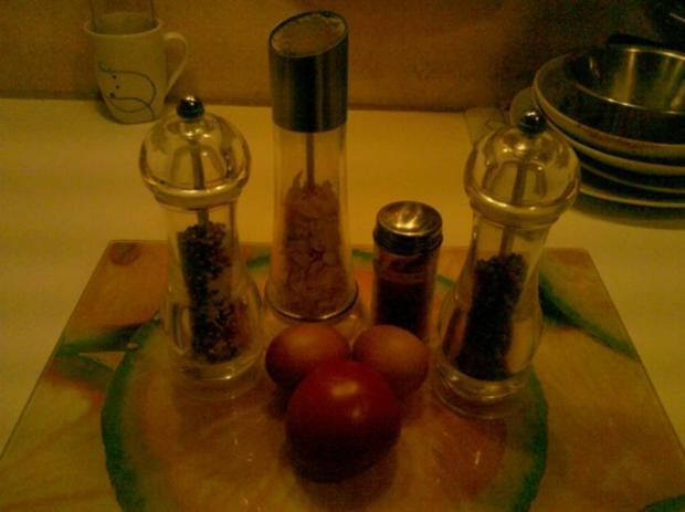 Abendbrot: Pikantes Spiegelei mit Tomate - Rezept - Bild Nr. 2