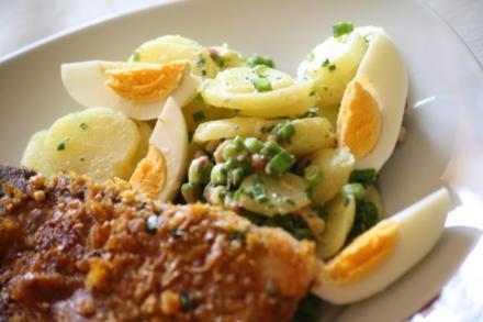 Kartoffelsalat mit Speck und Ei - Rezept