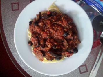 Spaghetti mit Hackfleisch-Auberginen Soße - Rezept