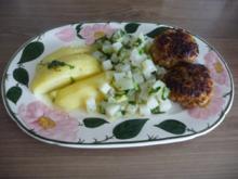 Hackfleisch : Fleischküchle / Bouletten / Frikadellen an Kohlrabigemüse mit Salzkartoffeln - Rezept