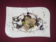 Jakobsmuscheln in der Sesam-Kruste auf Hoisin, Zwiebeln und Avocado - Nou Fusion - Rezept