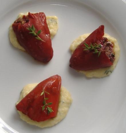 Paprika mit Apfel-Blutwurstfüllung auf Kartoffelsauce - Rezept - Bild Nr. 2