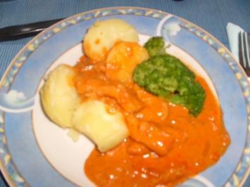 Geschnetzeltes in Paprika-Tomatensoße - Rezept