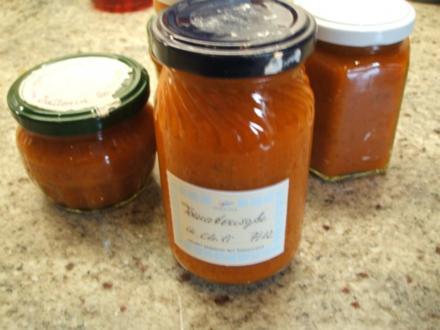 Soßen: Tomatensoße eingekocht - Rezept