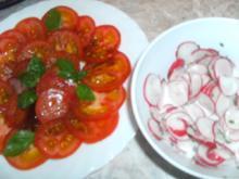 Radieschen-Salat und Tomaten - Rezept