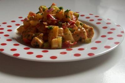 Hauptspeise: Sommerlicher Hähnchensalat mit Ananas - Rezept