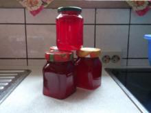 Johannisbeergelee mit Wein und Nelken - Rezept