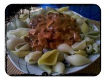 Nudeln: Conchiglie Colori mit pikanter Soße - Rezept