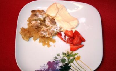 Apfel und Birne mit heißer Knusperdecke und Vanilleeis - Rezept