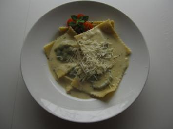 Rezept: Raviolis mit Spinat-Käse-Füllung