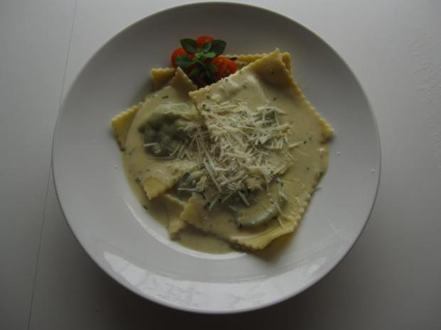 Raviolis mit Spinat-Käse-Füllung - Rezept