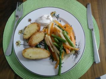 Rosmarinkartoffeln mit gebratenem Gemüse - Rezept