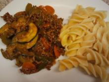 Gemüsepfanne mit Rinderhack - Rezept